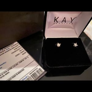 Kay jewelers solitaires earnings